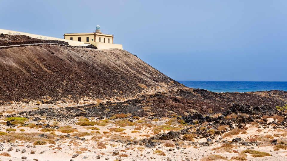 Punta-Martino-Lighthouse-Isla-de-Lobos-Fuerteventura